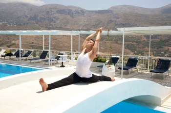 Garth+-+Greece+-+Hanumanasana+-+Pool